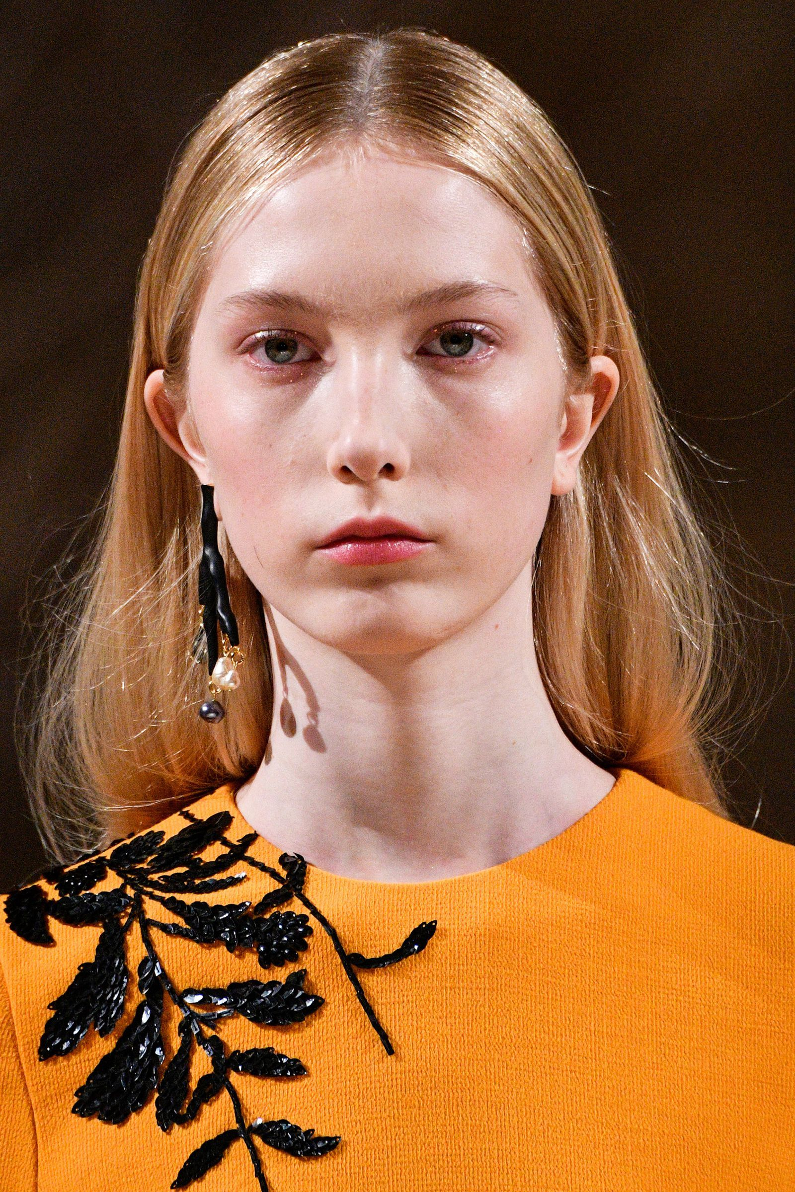 6 Autumn Winter 2020 Hair Trends To Try Now Catwalk Hair Runway Hair Trends Winter Beauty Trends