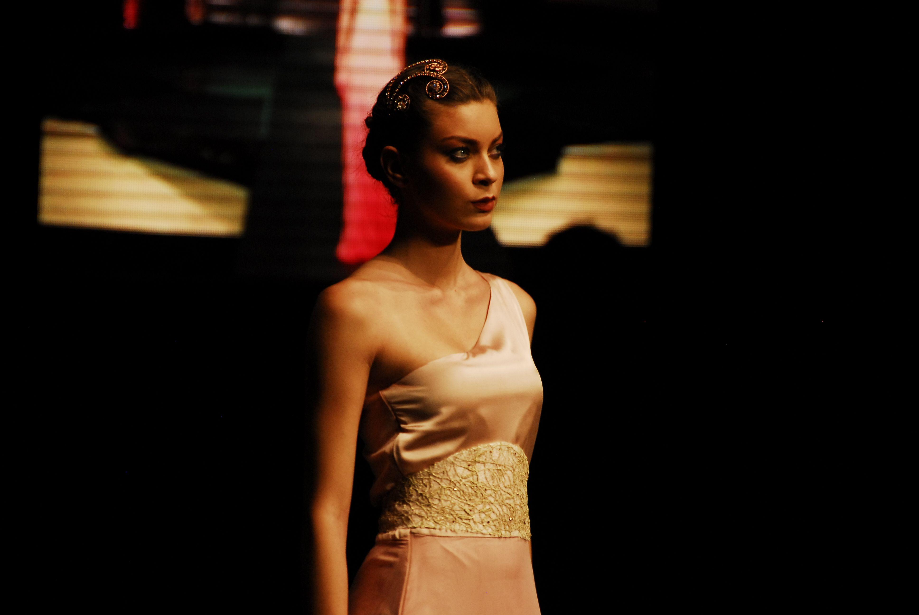İzmir University of Economics Graduation Fashion Show - Begüm Acar