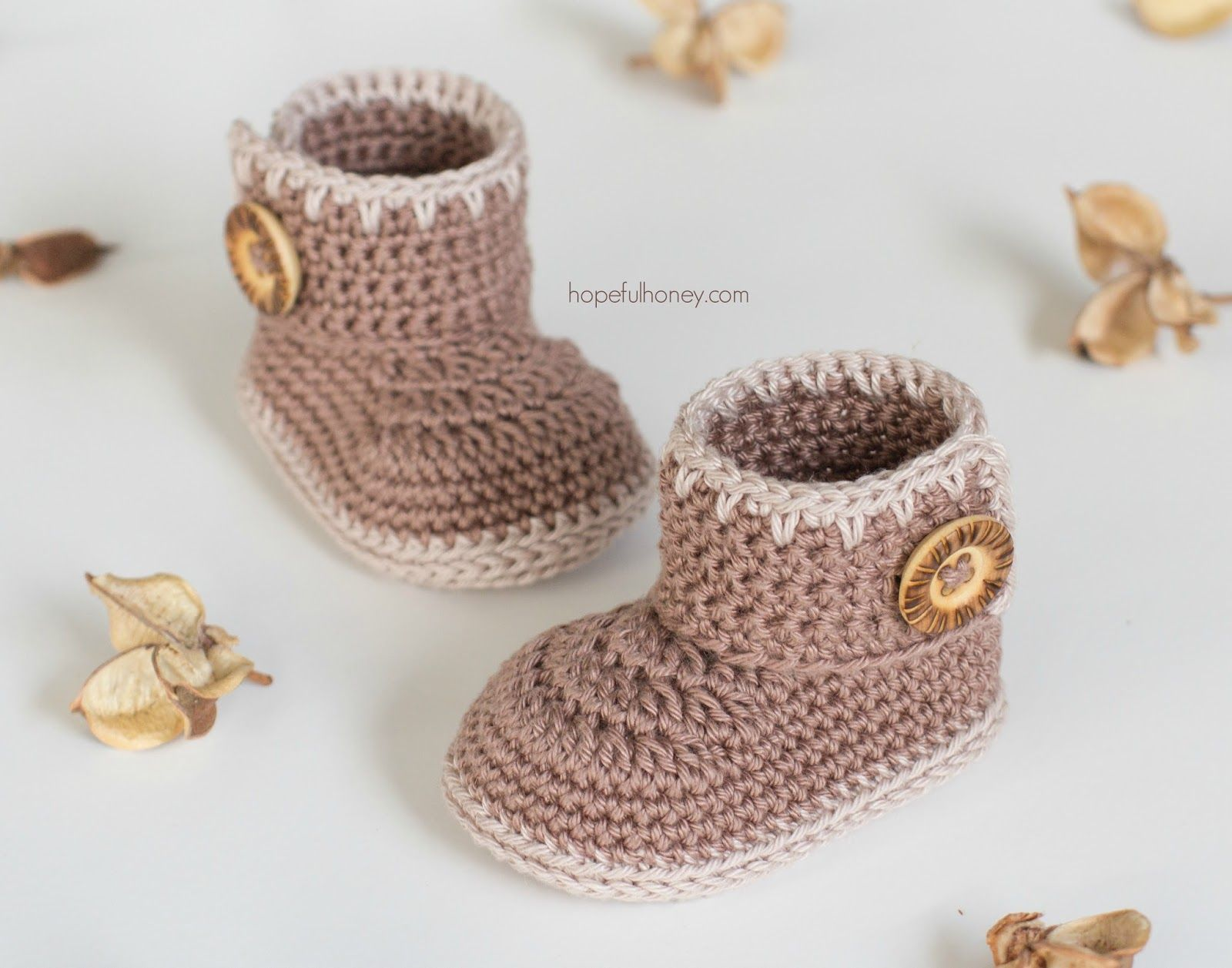 Cocoa Baby Ankle Booties - Free Crochet Pattern | Bebé