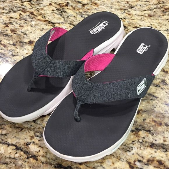 Skechers Yoga Mat Technology Flip Flops Very Comfy And Supportive