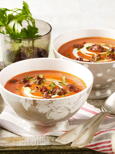 tomatensuppe mit ger stetem hack rezept suppen und eintopf pinterest suppen tomatensuppe. Black Bedroom Furniture Sets. Home Design Ideas