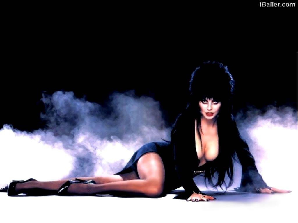 Elvira Mistress Of The Dark Cassandra Peterson Female Vampire