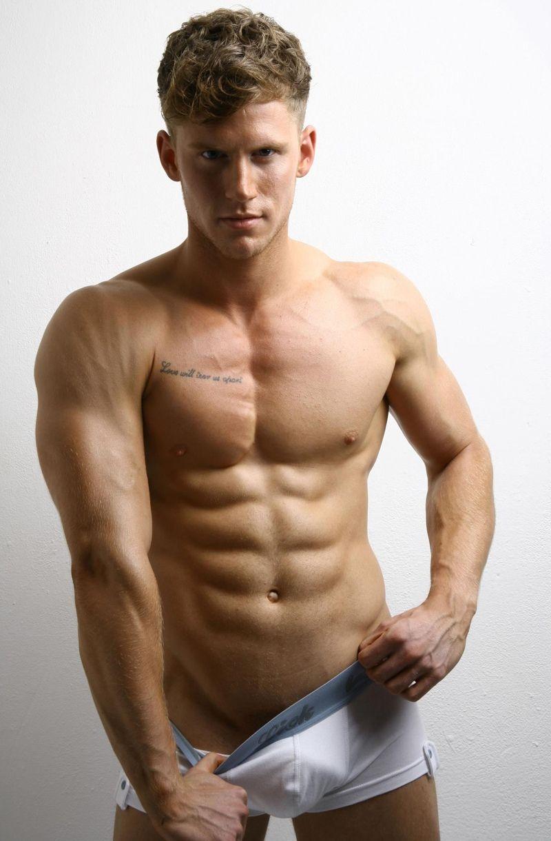 muscle-guys-lick-burrow-saffron-nude