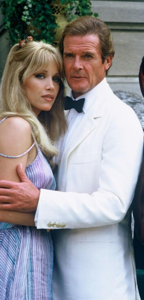 Roger Moore Is James Bond And Tanya Roberts As Stacey Sutton In A