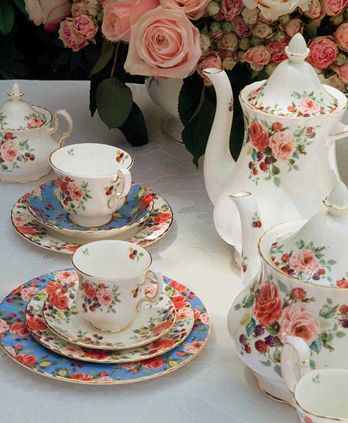 Pretty tea-service in a floral pattern
