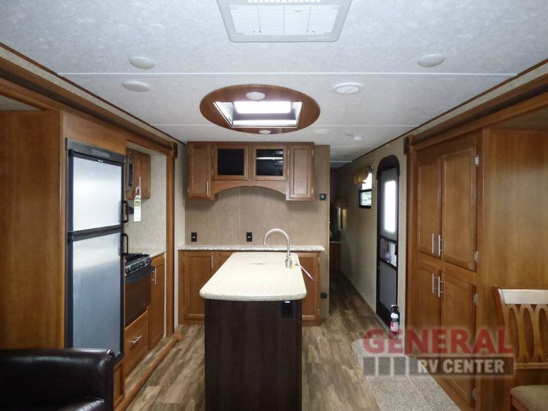 New 2016 Prime Time RV Tracer 2850RED Travel Trailer at