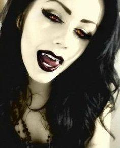 maquillage vampire femme noire