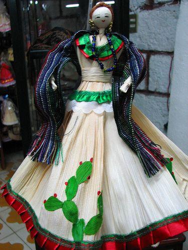 2dce23b214 munecas con vestidos mexicanos hechas con hojas de elote - Buscar con Google