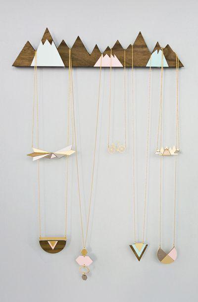 Mountains Jewelry Display Organizer Hanger Avec Images Porte Bijoux Presentoir Bijoux Bijoux En Bois
