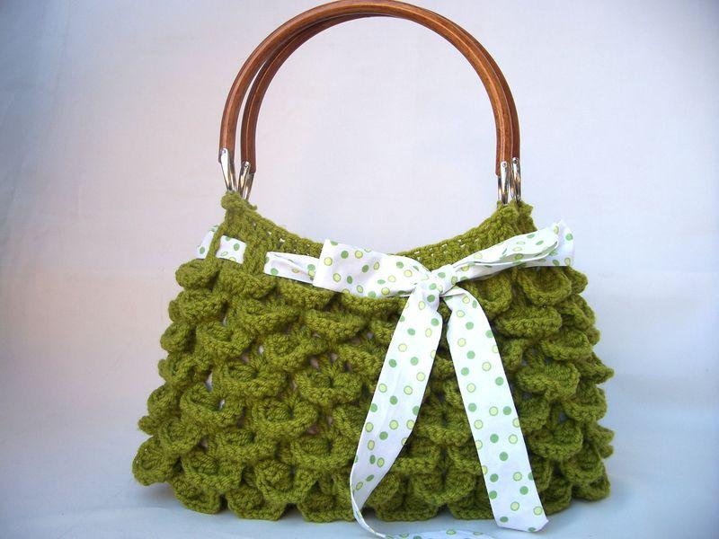 Diese niedlichen Handtasche ist perfekt für Herbst und Winter. Es ist aus Wolle und 50% Acryl Garn hergestellt. Es ist waschbar für den täglichen Gebr