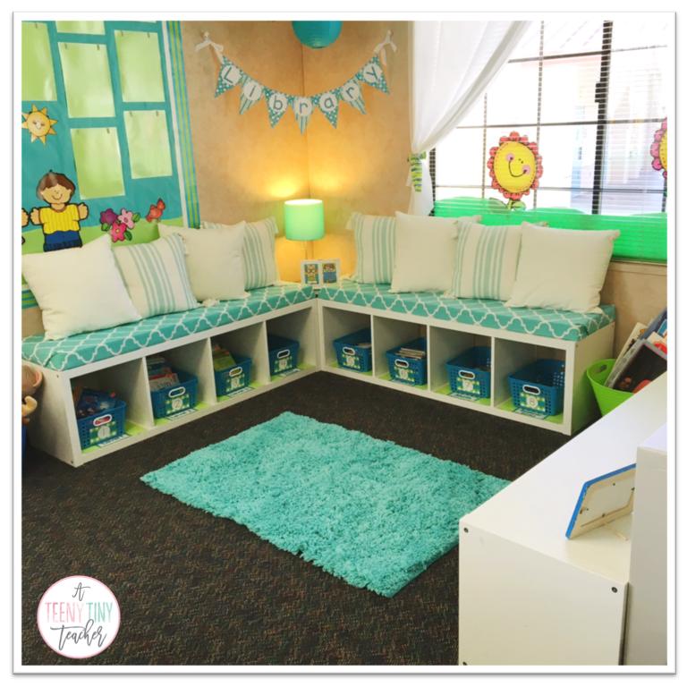 Classroom Library Makeover - A Teeny Tiny Teacher