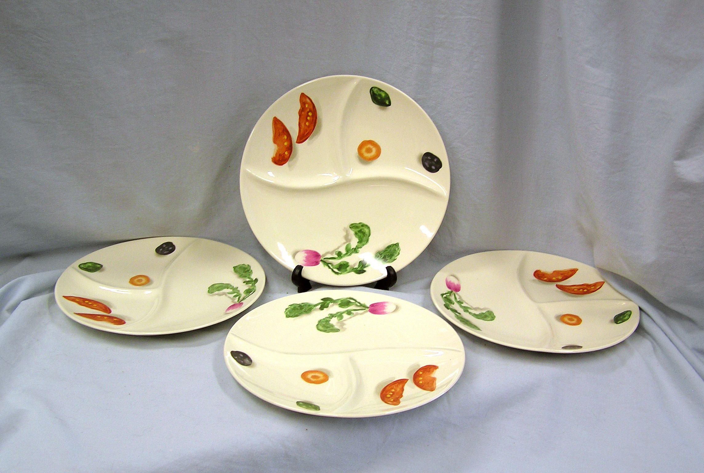 Set of 4 RARE Divided Ceramic Dinner Plates Dishes China Retro on eBay! & Set of 4 RARE Divided Ceramic Dinner Plates Dishes China Retro on ...