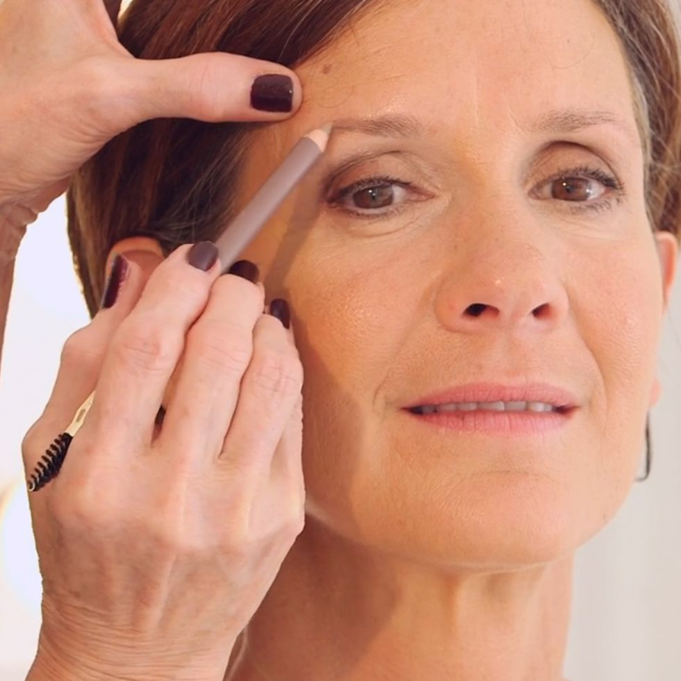 9 Makeup Rules For Women Over 40 pics