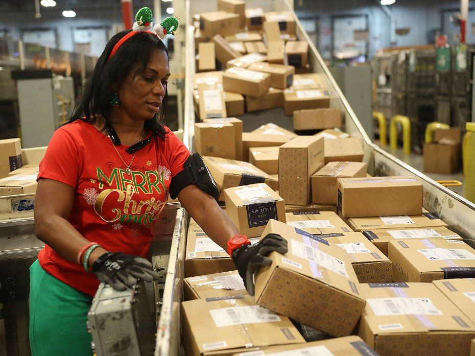 There's still time to shop online for Christmas — but you