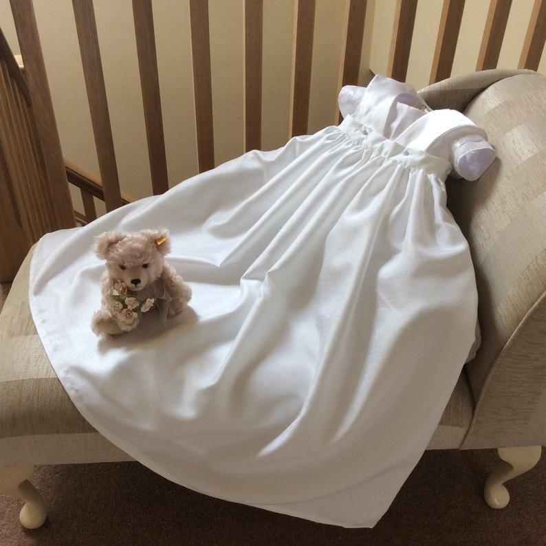 Photo of Vestido de bautizo de bautizo para niña pequeña / vestido / mameluco / sombrero con falda de vestir extraíble para niños o niñas / reliquia artesanal unisex