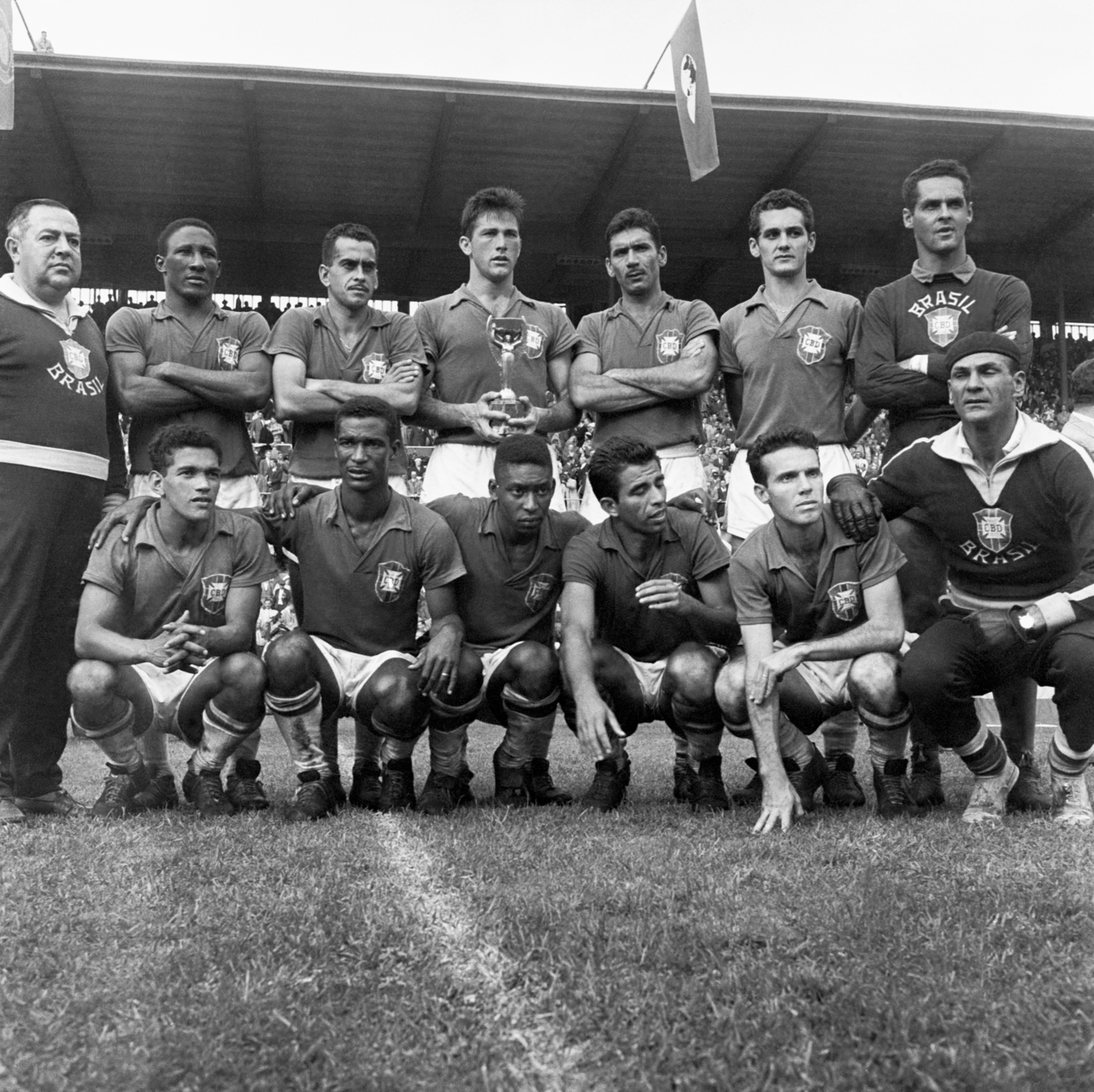 Brazil After Winning The 1958 World Cup Djalma Santos Zito Hilderaldo Bellini Orlando Nilton Santos Gilmar Garrinc Best Football Players World Cup Pele
