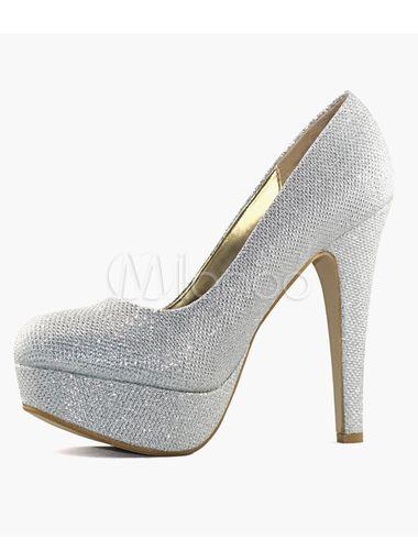 Scarpe da sposa d argento glitterate con tacchi.  66409428cbb