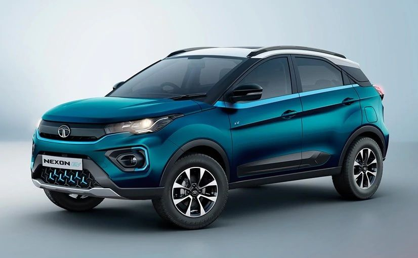 Tata Nexon Vs Ford Ecosport Comparision क स ह