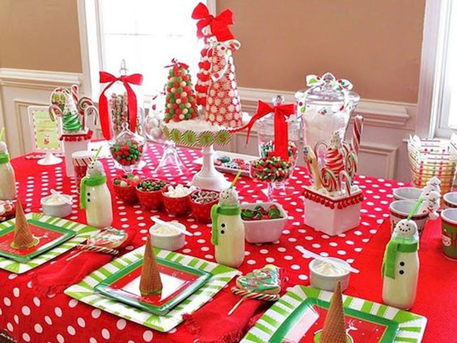 Adorable 50 Stunning Christmas Table Dining Rooms Decor Ideas Httpscoachdecorcom