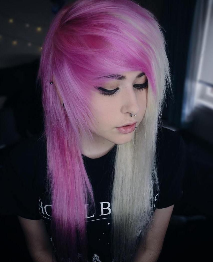 deeply emotional and creative emo hairstyles for girls
