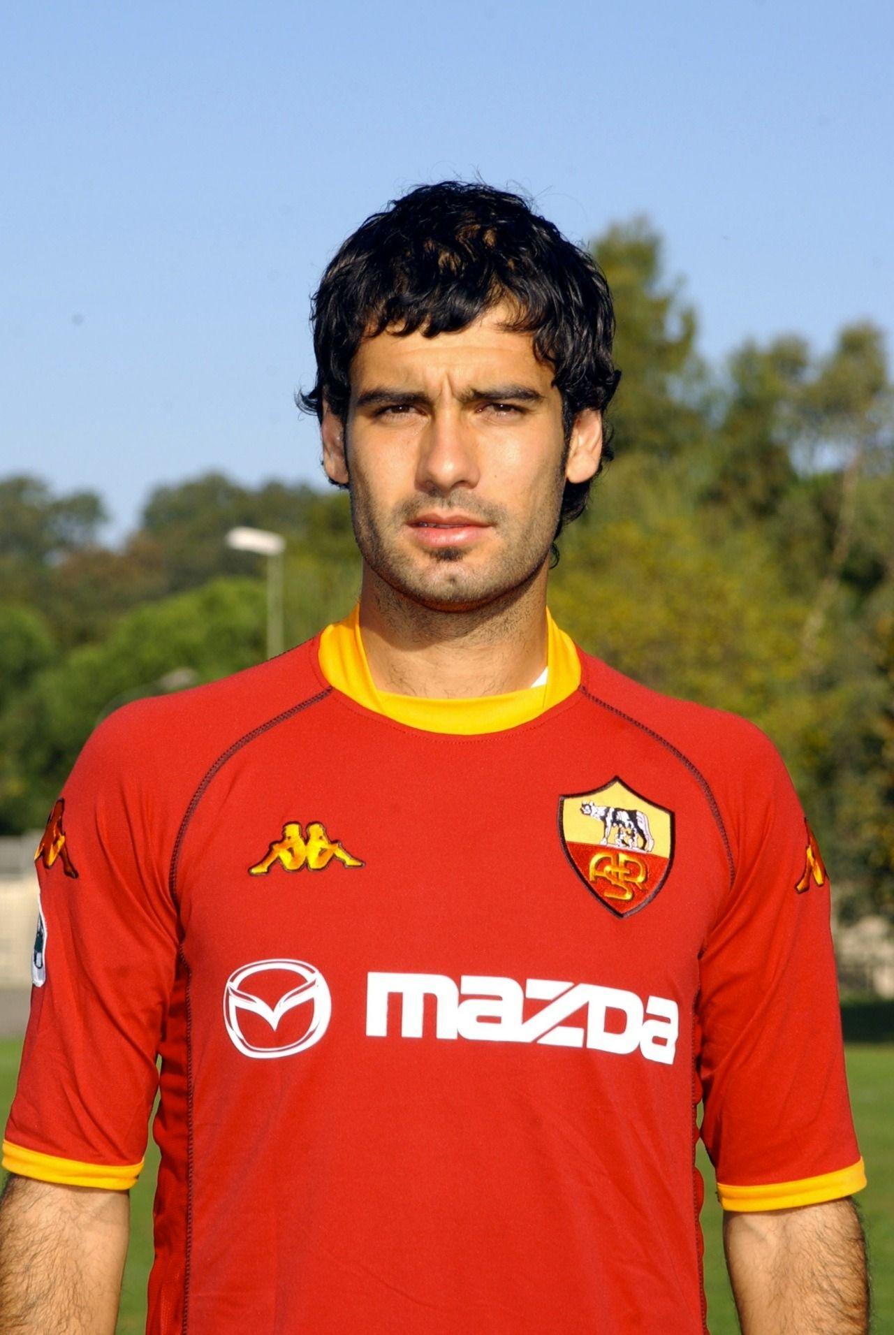PEP GUARDIOLA AS ROMA   Fútbol de barcelona, Leyendas de futbol, Futbol  español