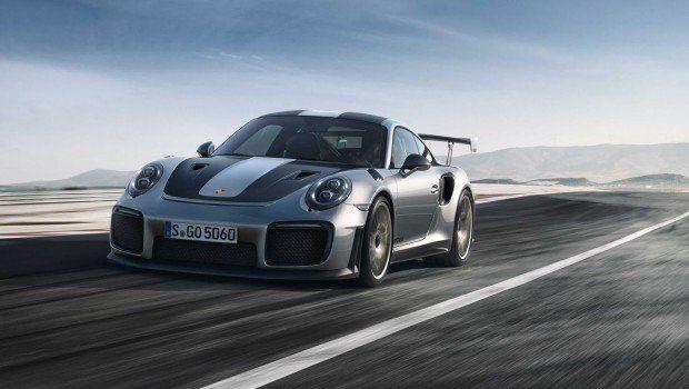 Porsche-911-GT2-RS-3