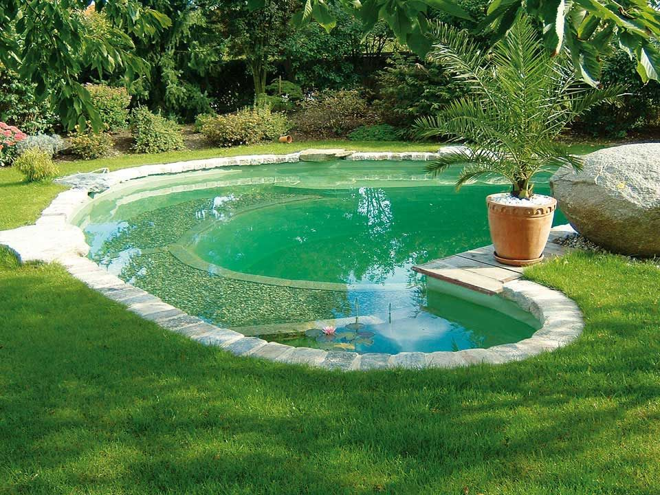 Fun pool design i have seen a couple of these with wading for Garten pool wanne