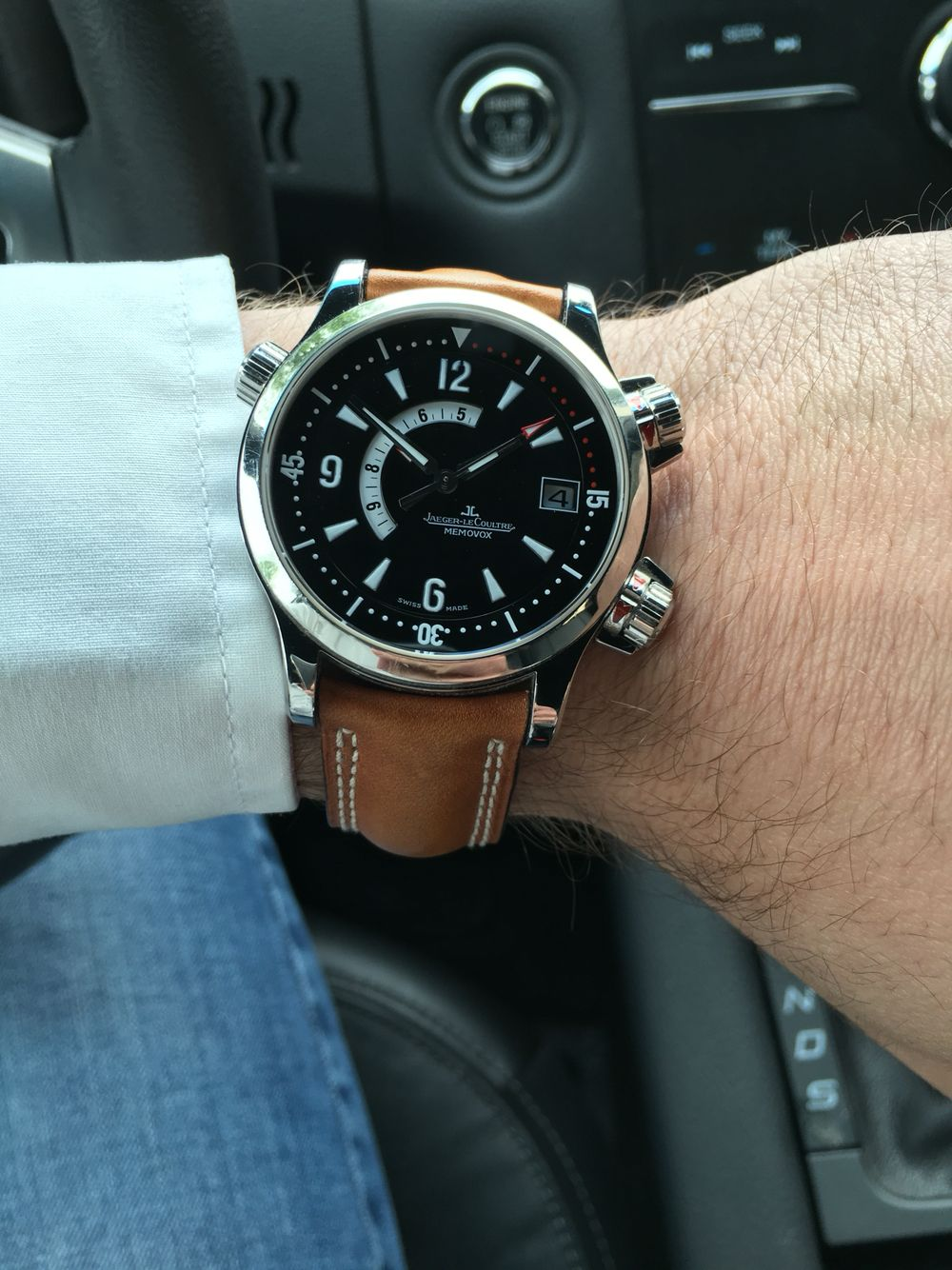 c84c8bf0214 JLC Master Compressor Memovox. Love this watch with its sporty look ...