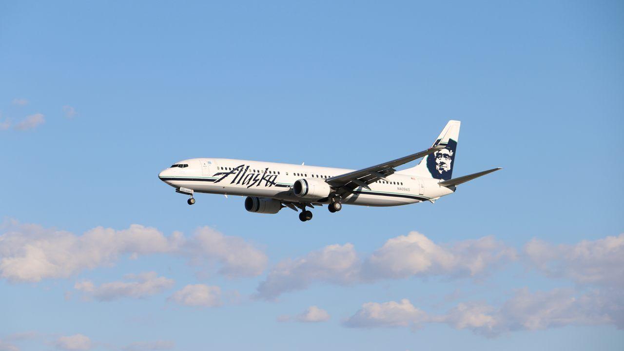 Naked Man Runs Across Alaskan Airlines Plane Before Being