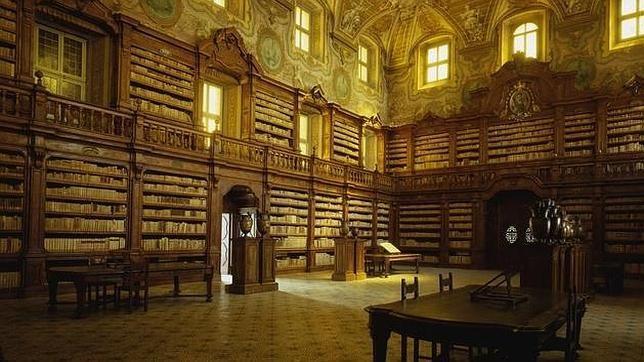 La biblioteca de Girolamini en Nápoles.