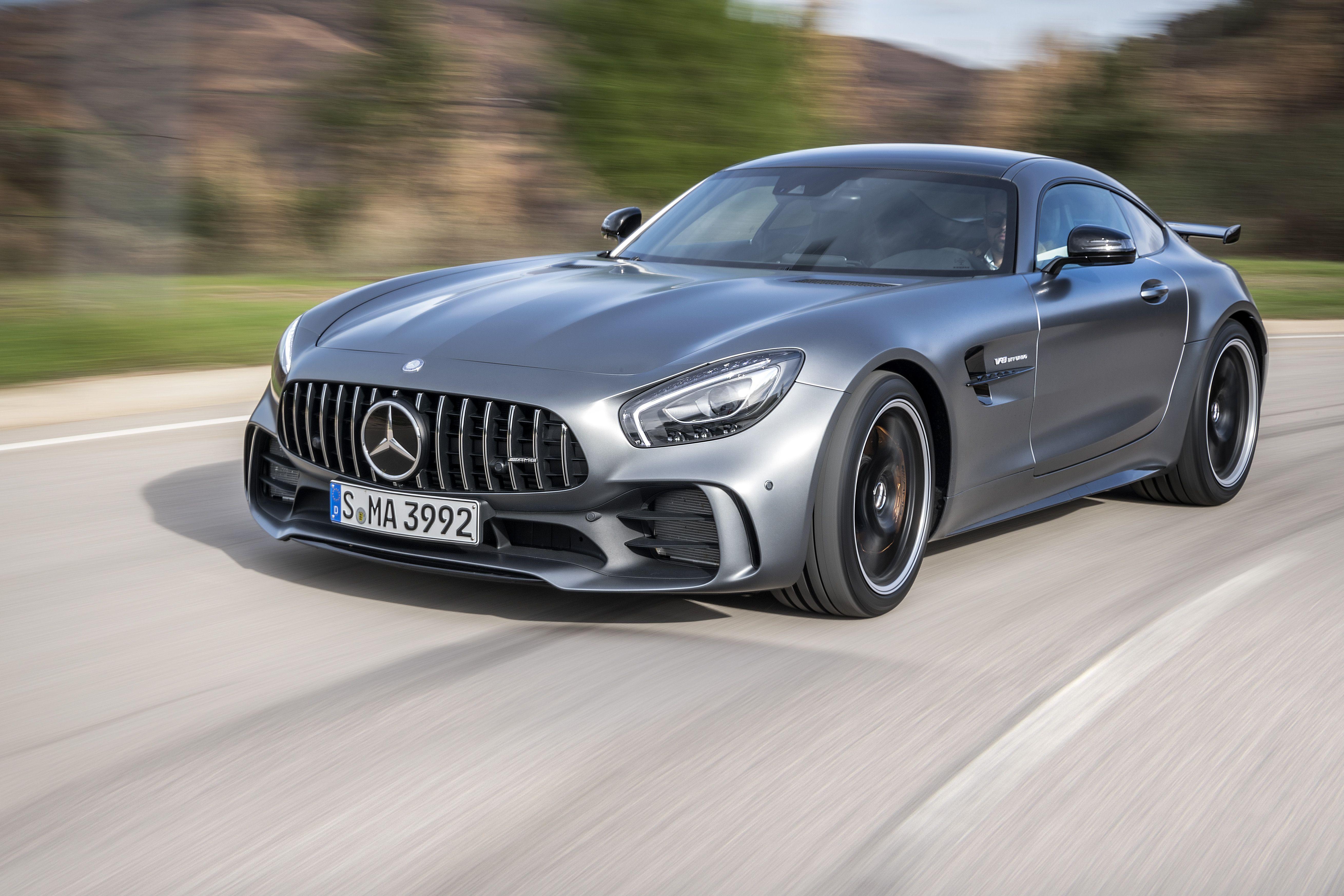 Motor 39 N Mercedes Amg Gt R Msrp Is 157 000 Mercedes Amg Gt