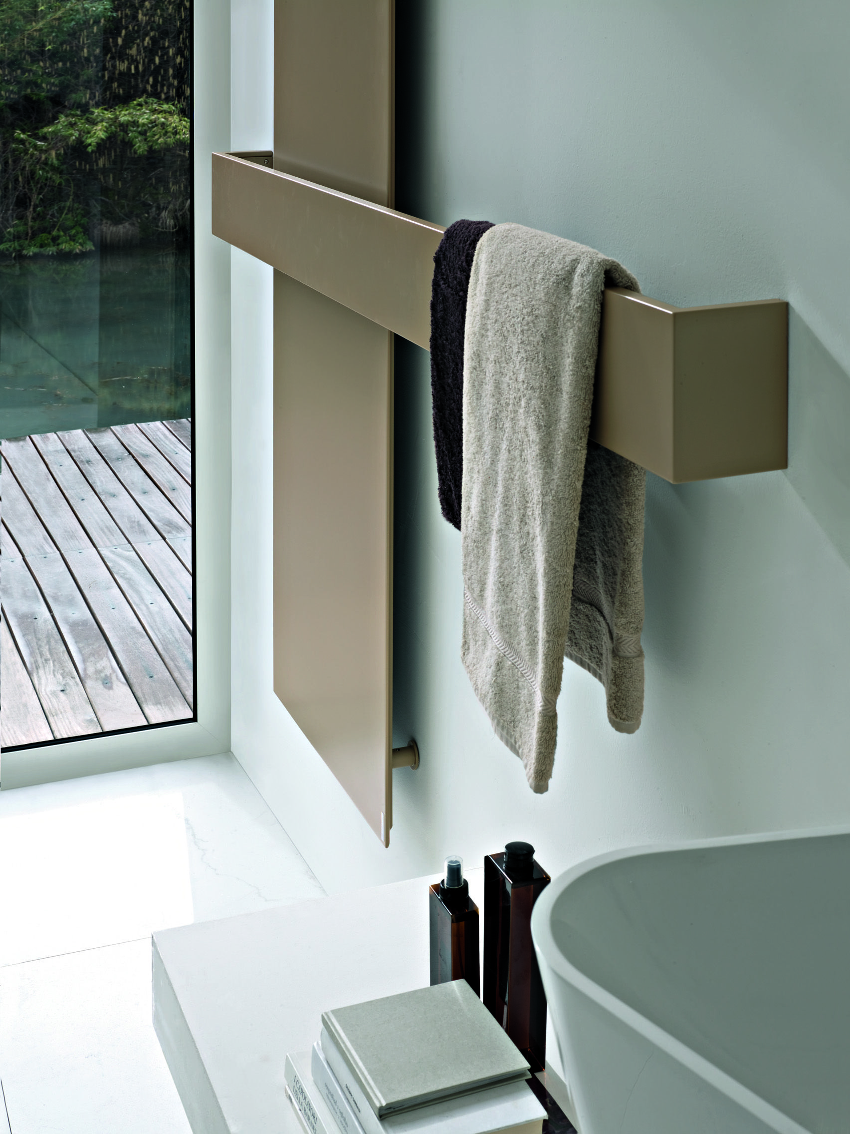 Cute Die besten Elektroheizk rper bad Ideen auf Pinterest Elektroheizk rper Beheizbare Handtuchstange und Badezimmer mit dusche