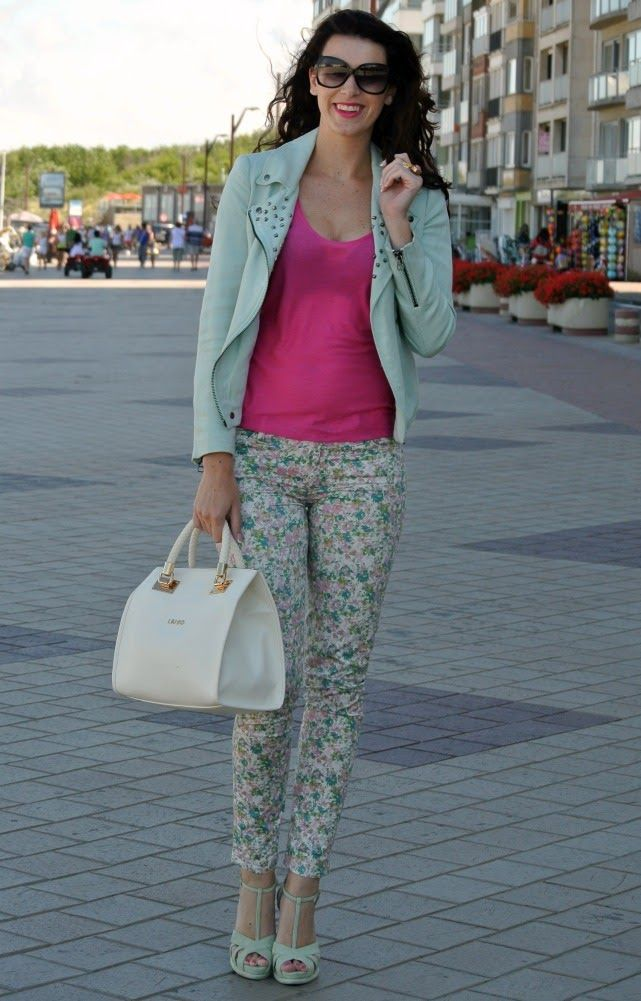 Curls and Bags by Nathalie Van den Berg: Outfit: mint