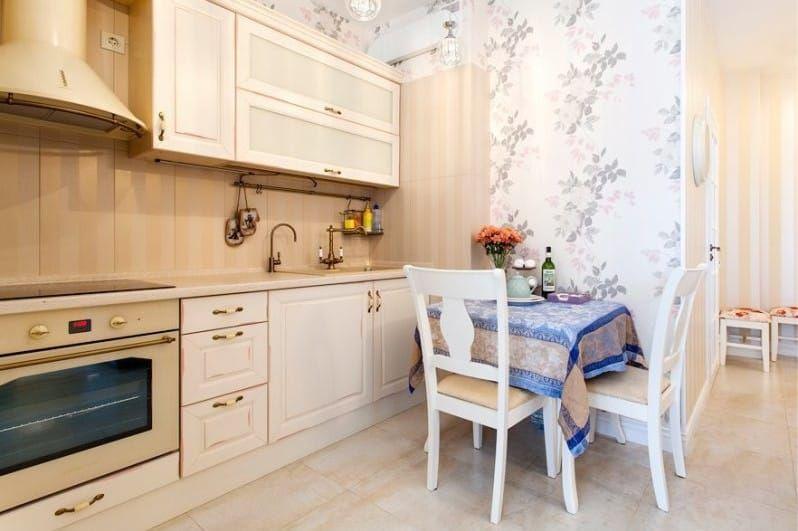 маленькая кухня в классическом стиле фото