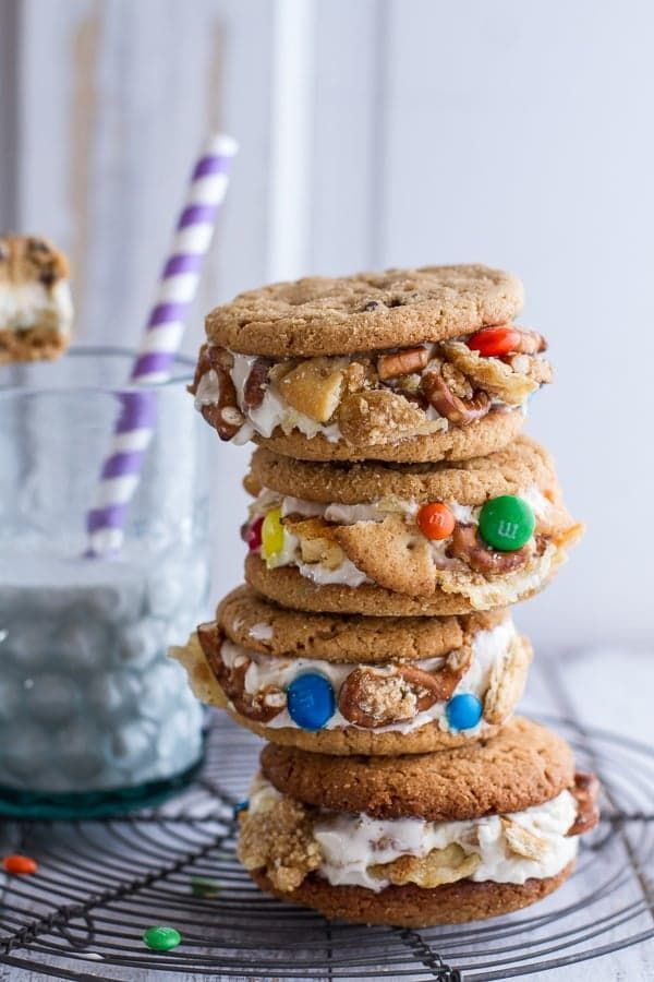 Pin for Later: All the Frozen Dessert Recipes You Could Possibly Need Peanut Butter Cookie Ice Cream Sandwiches With M&M's and Pretzels Get the recipe: peanut butter cookie ice cream sandwiches with M&M's, pretzels, Ritz crackers, and potato chips.