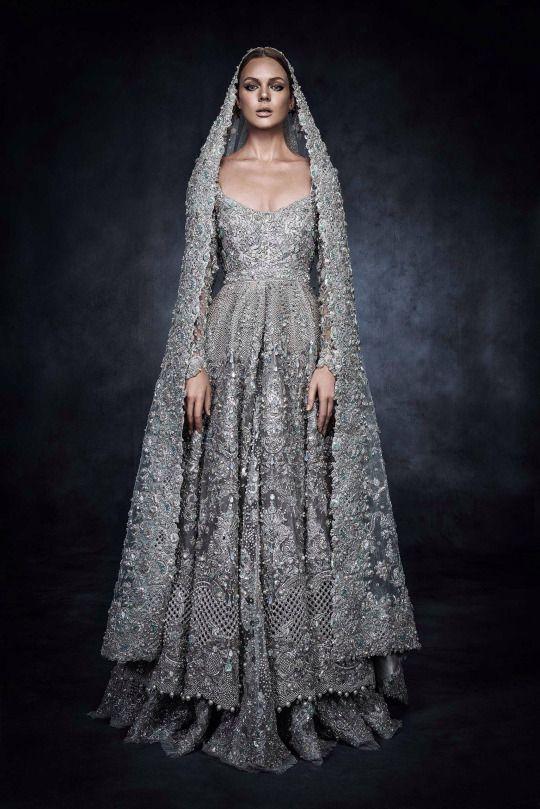 Elan\'s piece for Swarovski Sparkling Couture Exhibition. | Couture ...
