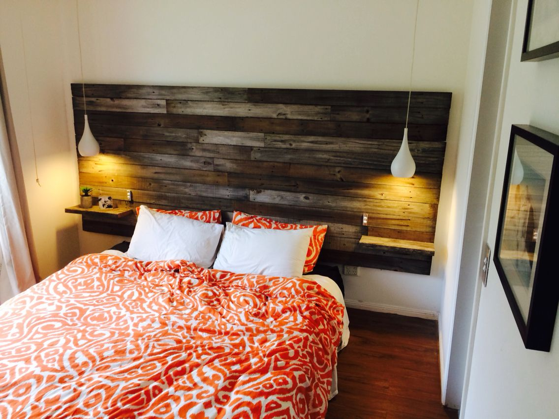 Diy homemade timber headboard w floating bedsides for Makeshift headboard