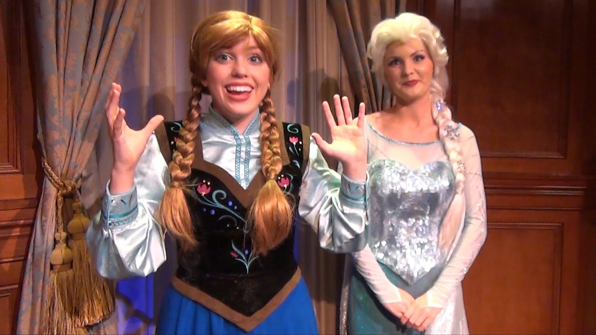 Video Anna And Elsa Meet Us At The 24 Hour Rock Your Disney Side