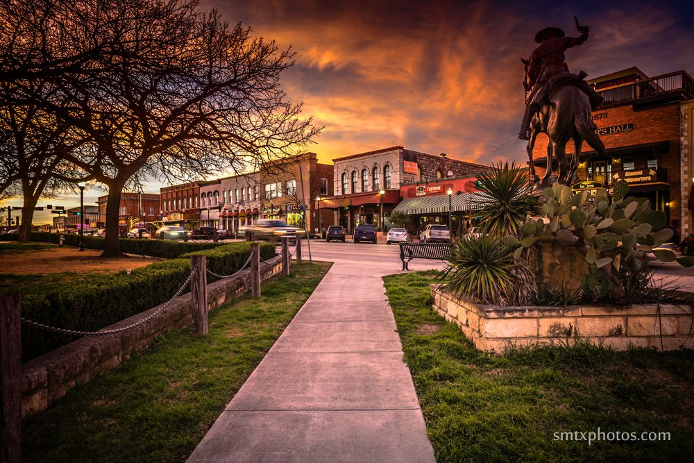 Sunset On The Square San Marcos Photos San Marco Texas Towns San