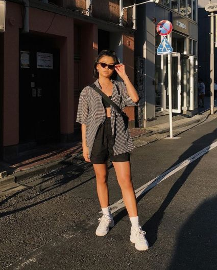 15 Cute, Practical Outfits to Wear to a Soccer Game – Fashion