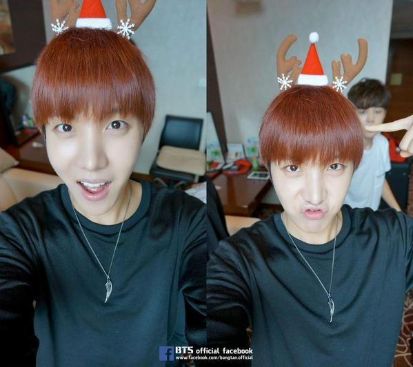 Christmas Selca's - Hoseok  (I love his necklace!)