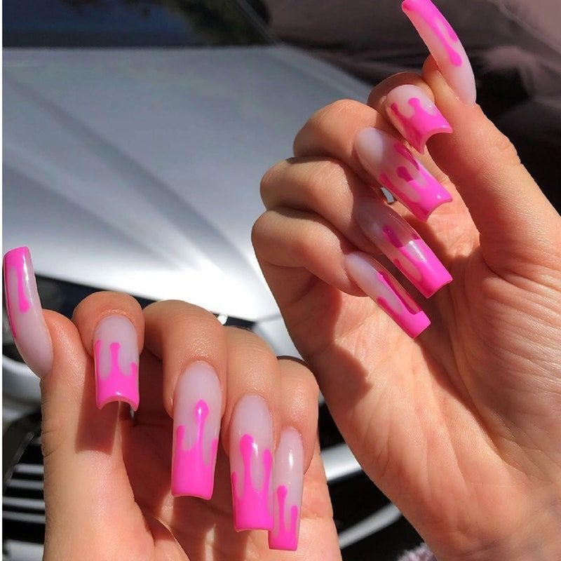Kylie Jenner Just Posted Some Short Nail Art Inspo On Instagram In 2020 Drip Nails Celebrity Nails Kylie Nails