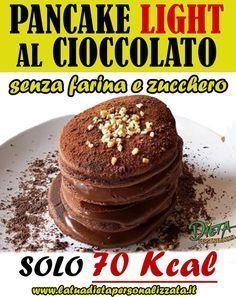 100 gr di yogurt bianco 2 uova 10 gr di cacao in polvere 30 gr di cioccolato fondente
