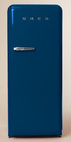 Retro Blue Smeg Fridge http://rstyle.me/n/eqhv8r9te
