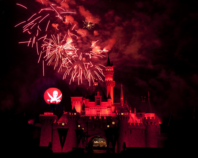 top 7 reasons you should visit disneyland at halloween time