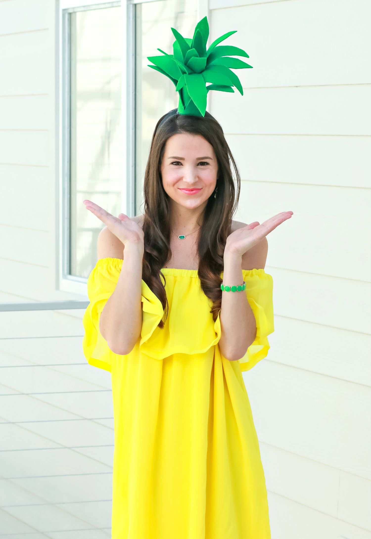 Funny DIY Pineapple Scarf To Wear In Summer