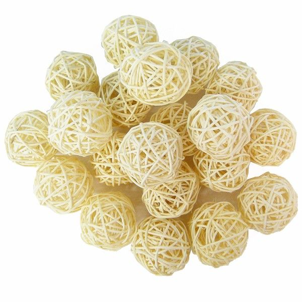 #Rattankugeln weiß für braune #Tischdekos: http://www.trendmarkt24.de/rebenkugeln-w-e-i-ss-5-cm20-stk.html#p