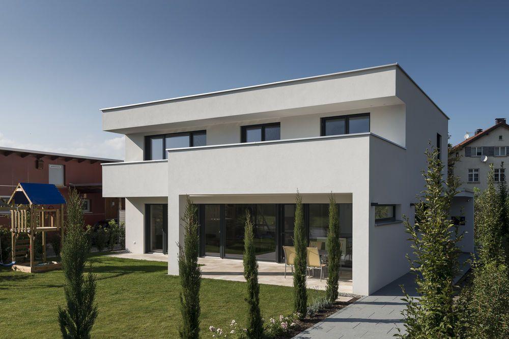 Einfamilienhaus flachdach berdachte terrasse for Haus modern flachdach