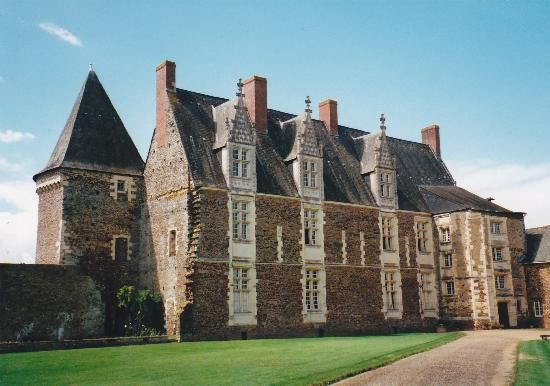 Chateau La Motte Glain Begun 1496 Loire Valley France Loire Valley France French Castles Chateau