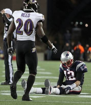 Tom Brady Sits On The Turf After Throwing An Incompletion On Fourth Down In The Fourth Quarter Afc Championship Ed Reed Ravens Football